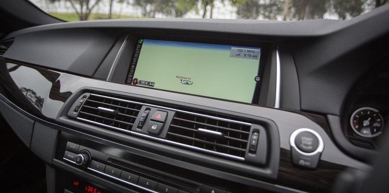 2016-4-car-comparo-bmw-520d-v-merc-e200-v-audi-a6-2-0-tfsi-quattro-v-jag-xf-7