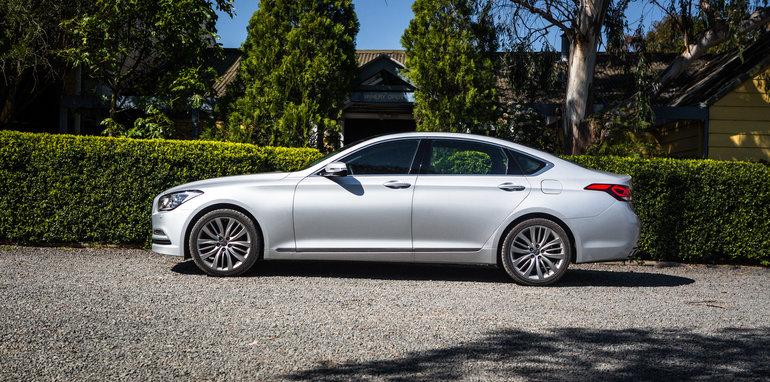 2016 Luxury sedan comparison Hyundai Genesis Ultimate v Jaguar XF 20d Prestige v Infiniti Q70 GT v Lexus GS200t F Sport v Skoda Superb sedan 206TSI-216