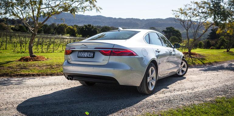 2016 Luxury sedan comparison Hyundai Genesis Ultimate v Jaguar XF 20d Prestige v Infiniti Q70 GT v Lexus GS200t F Sport v Skoda Superb sedan 206TSI-241