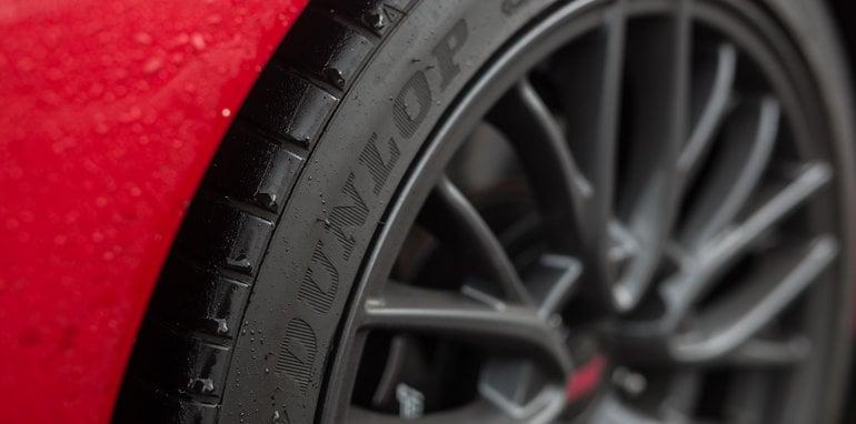 2016-ford-focus-rs-subaru-wrx-sti-volkswagen-golf-r-track-test-85