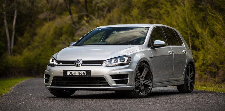 2016-ford-focus-rs-v-subaru-wrx-sti-volkswagen-golf-r-comparison-14