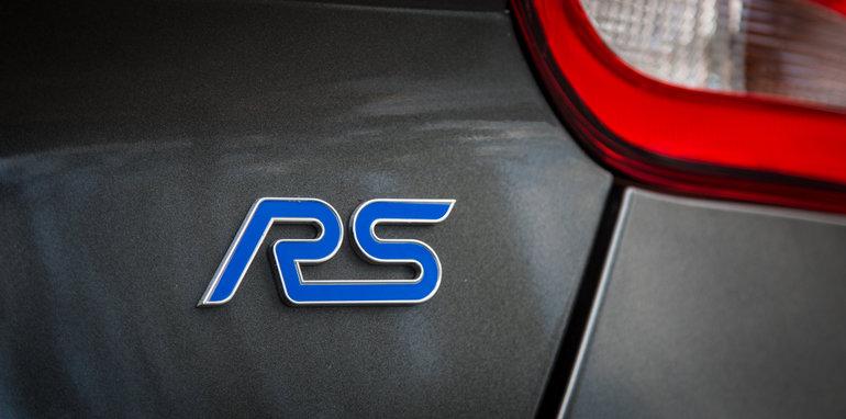 2016-ford-focus-rs-v-subaru-wrx-sti-volkswagen-golf-r-comparison-46