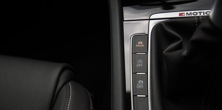 2016-ford-focus-rs-v-subaru-wrx-sti-volkswagen-golf-r-comparison-91