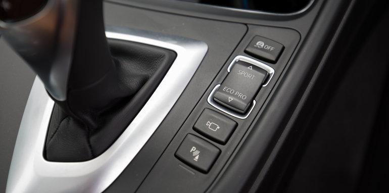 2016-mercedes-benz-c300-v-bmw-430i-comparison-27
