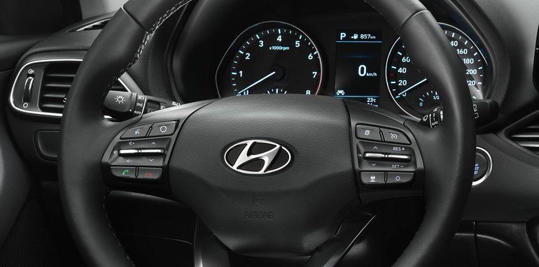 2017_hyundai_i30_official_07a