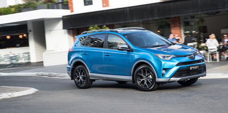 2017 toyota rav4 pricing and specs more equipment and safety for updated suv update. Black Bedroom Furniture Sets. Home Design Ideas