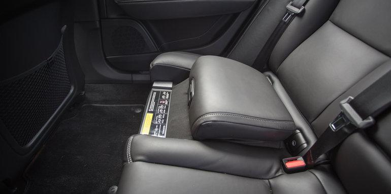 2017-luxury-sedan-comparison-volvo-s90-d5-inscrip-v-audi-a6-tdi-v-mercedes-e220d-136