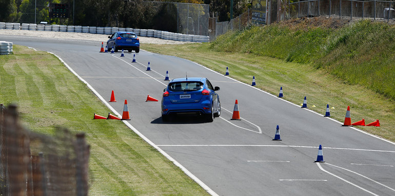 ford_driving-skills-for-life_ap_4091