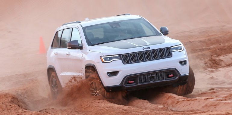 jeep-cherokee-trailhawk-off-road-2