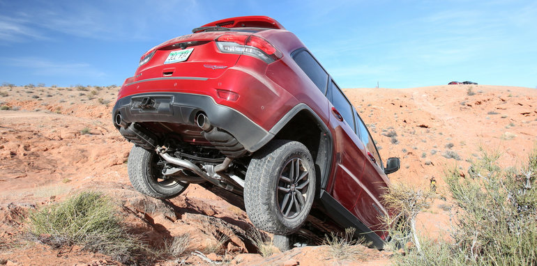 jeep-cherokee-trailhawk-off-road-21