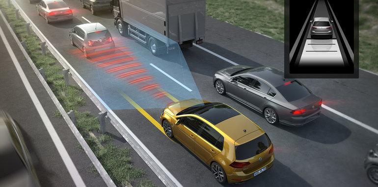 volkswagen-golf-traffic-jam-assist