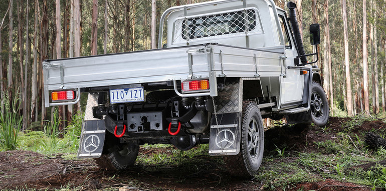 2017_mercedes-benz_g-professional_cab-chassis_g-pro-35