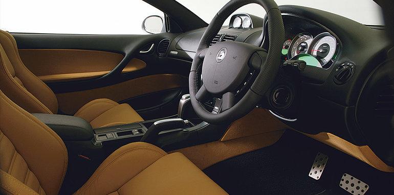 2004-hsv-coupe4-2