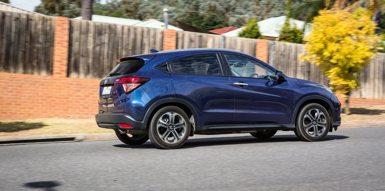Cx 3 Vs Hrv >> Honda HR-V update coming soon, facelift in 2018