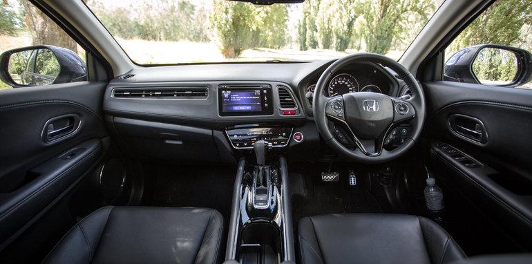 Cx 3 Vs Hrv >> Honda HR-V update coming soon, facelift in 2018