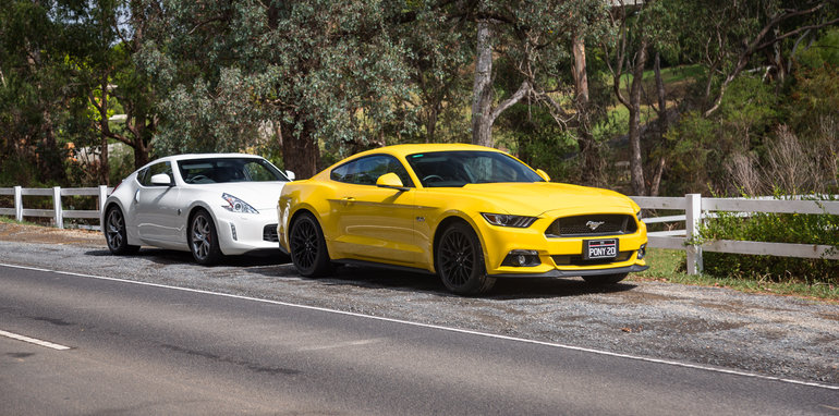 2017-ford-mustang-v-nissan-370z-comparison-30