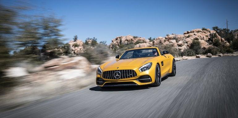 Mercedes-AMG GT-C Roadster Fahtveranstaltung Phoenix 2017 AMG solarbeam; Leder Exclusiv Nappa / Microfaser DINAMICA schwarz / graue Ziernähte. GT C Roadster Kraftstoffverbrauch kombiniert: 11,4 l/100 km CO2-Emissionen kombiniert: 259 g/km Fuel consumption combined: 11.4 l/100 km Combined CO2 emissions: 259 g/km Mercedes-AMG GT-C Roadster Press Test Drive Phoenix 2017 AMG solarbeam; Exclusive Nappa leather / DINAMICA microfiber black / grey topstiching GT C Roadster Kraftstoffverbrauch kombiniert: 11,4 l/100 km CO2-Emissionen kombiniert: 259 g/km Fuel consumption combined: 11.4 l/100 km Combined CO2 emissions: 259 g/km