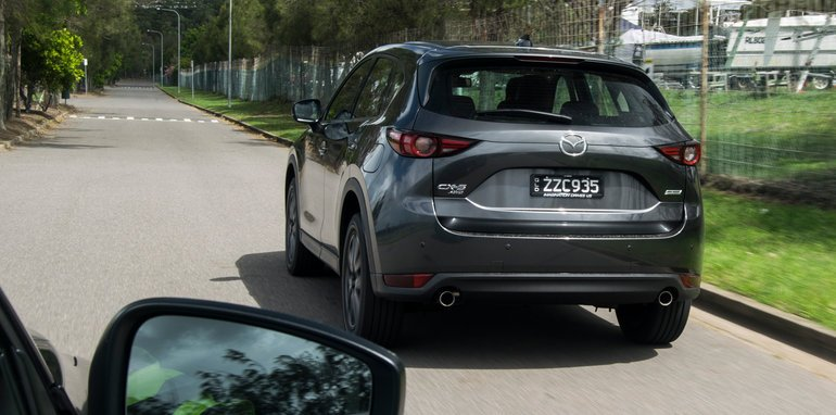 2017_mazda_cx-5_range-review_04_gt_24