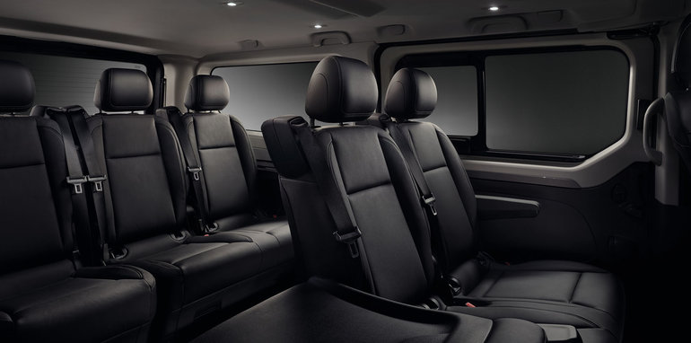 renault-trafic-spaceclass-seats-1