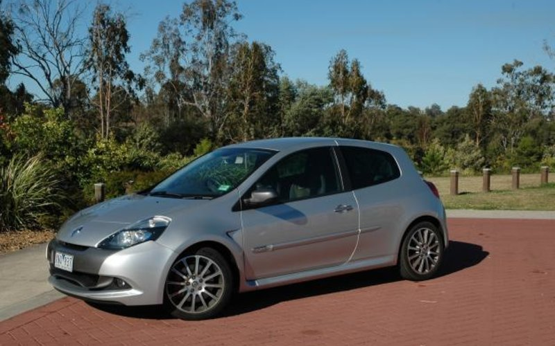 Renault clio sport review