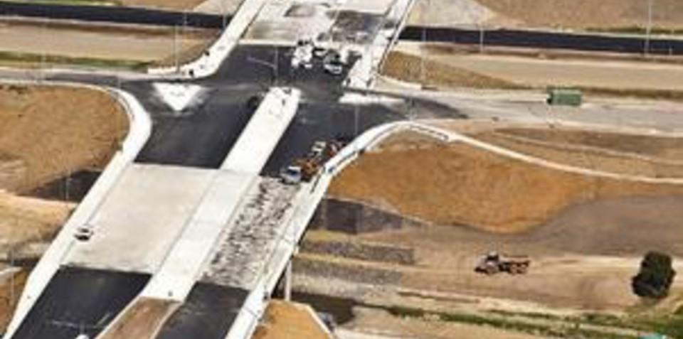 Green call to ban freeways