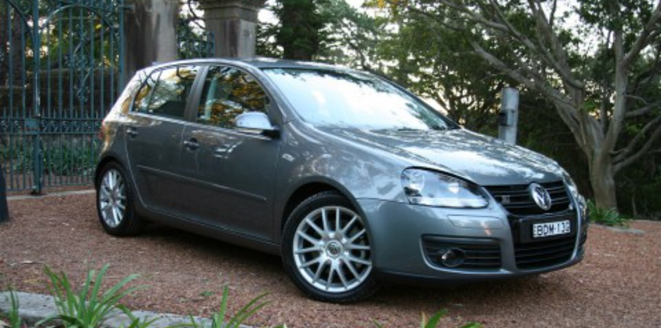 2008 volkswagen golf gt sport tsi vs tdi review. Black Bedroom Furniture Sets. Home Design Ideas