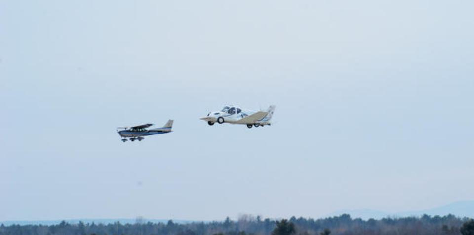 Terrafugia flying car makes its first flight