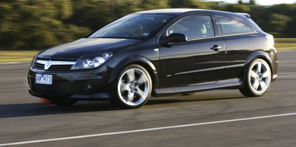 Holden suspends Astra imports