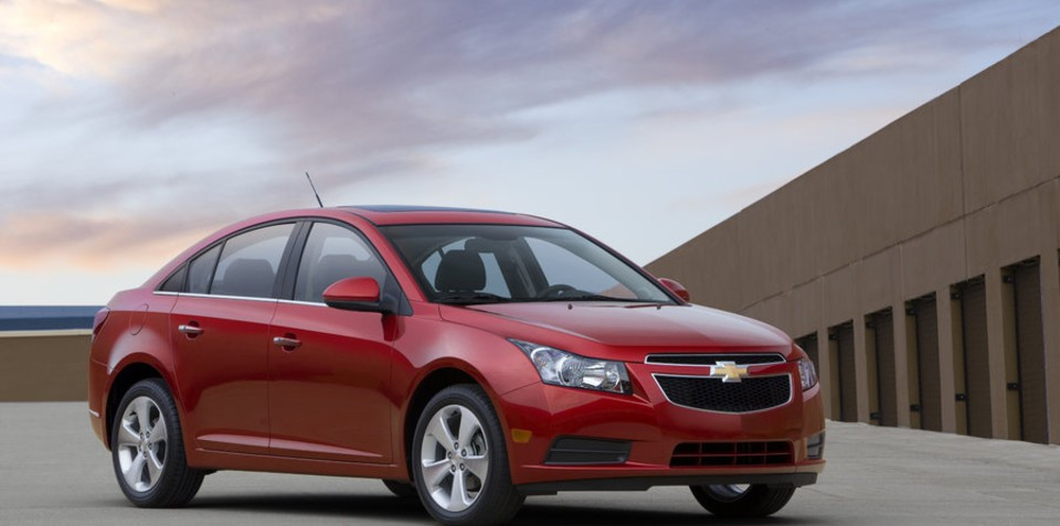 2010 Chevrolet Cruze, turbo four-cylinder unveiled ahead of LA Motor Show