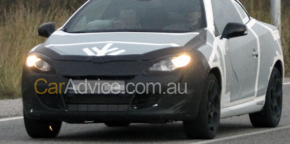 2010 Renault Megane CC spy photos