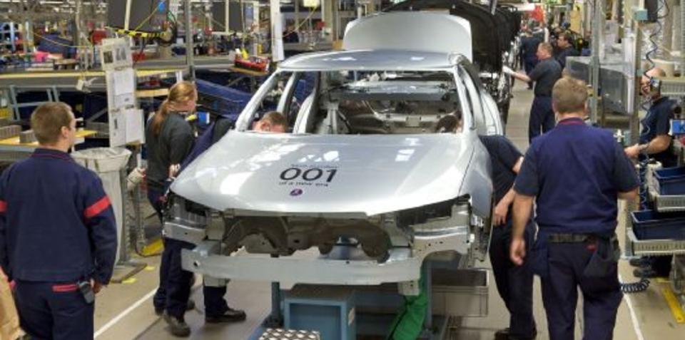 Saab resumes production under new management