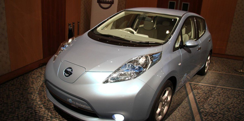 Nissan's LEAF to cut battery costs