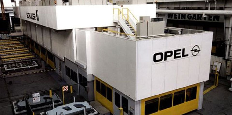 General Motors to pay $572 million to close Opel plant