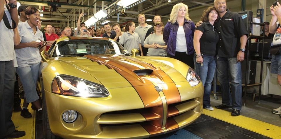 Final Dodge Viper rolls off the Snake Pit production line