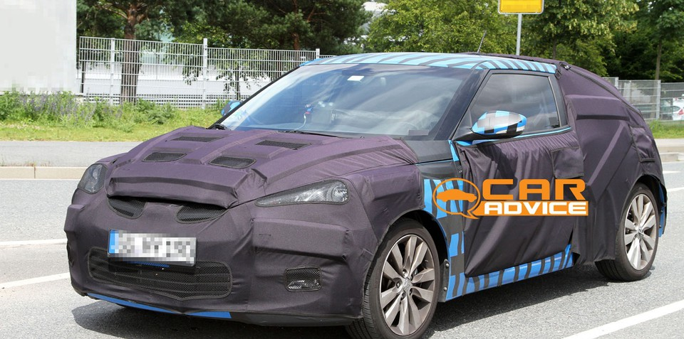 Hyundai Veloster sports coupe spy shots