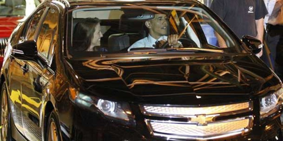 Obama drives Chevrolet Volt as 2012 production plans increase by 15,000 units