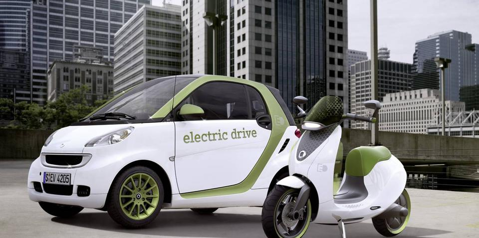 Smart escooter to premier at Paris Motor Show