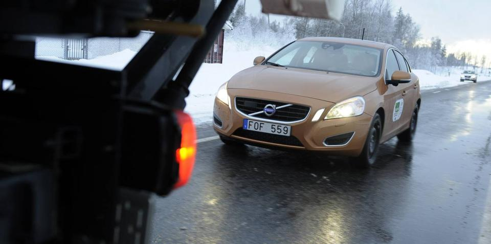 Successful vehicle platooning test by Volvo and SARTRE
