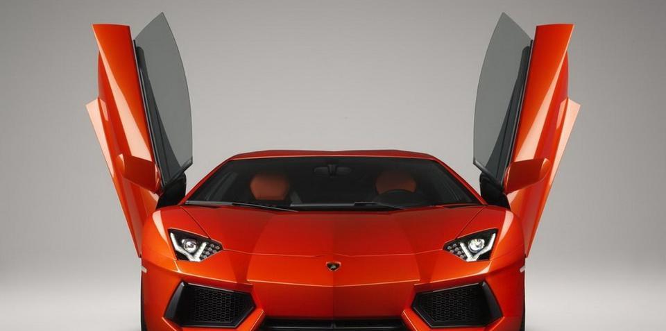 Lamborghini Aventador LP700-4 revealed in full detail