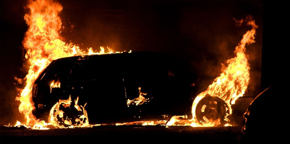 40 Cars Torched in Berlin Firebomb Attacks: Video