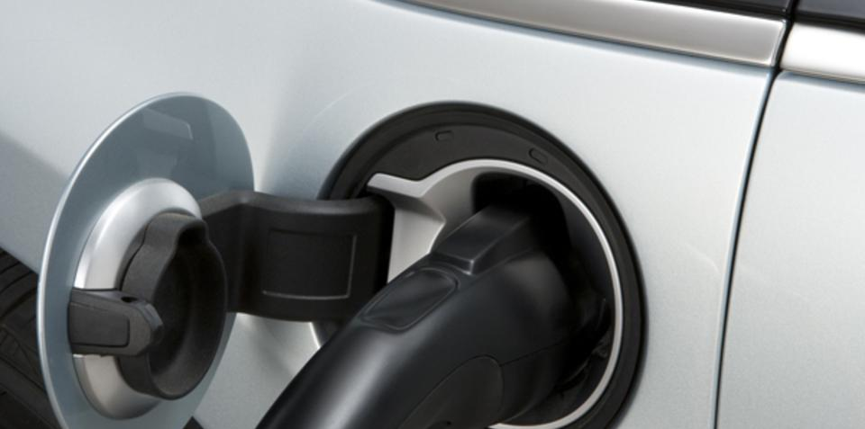 Seven global carmakers agree on electric vehicle standards