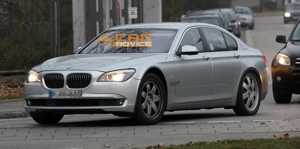 BMW i7 spy shots