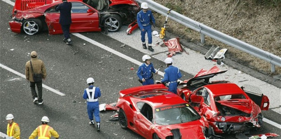 Supercar crash destroys 8 Ferraris in Japan