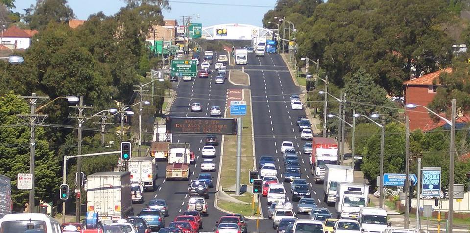 Prime Minister snubs Productivity Commission's pay-per-kilometre road tax proposal