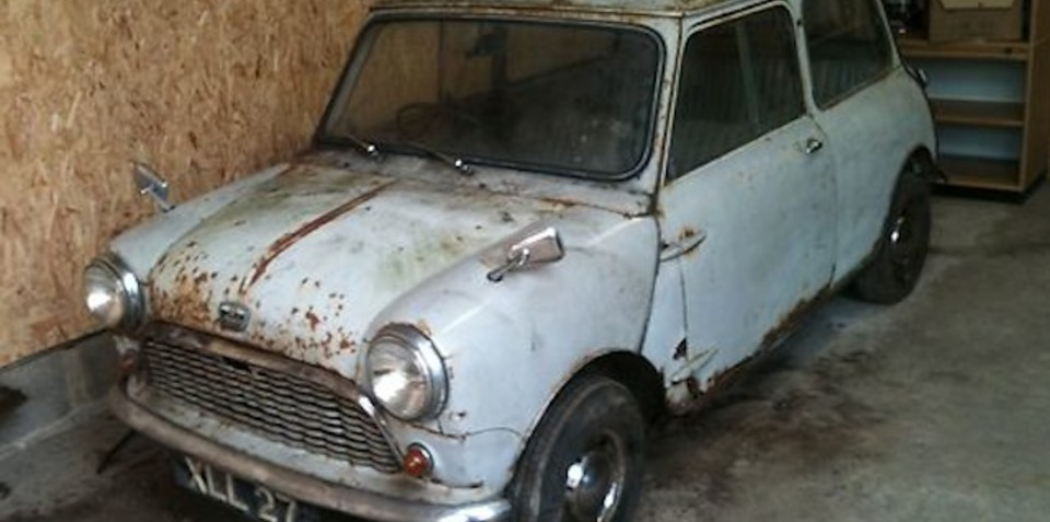 1959 Austin Mini Se7en De Luxe Saloon: untouched and up for grabs