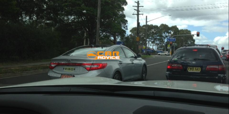 Hyundai Azera, Santa Fe LWB spied testing in Australia