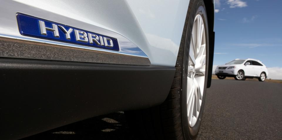 Lexus hybrid Q3, X1 rival planned for Geneva 2014: report