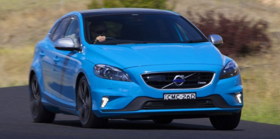 Volvo V40:: New four-cylinder Drive-E engines for small hatchback