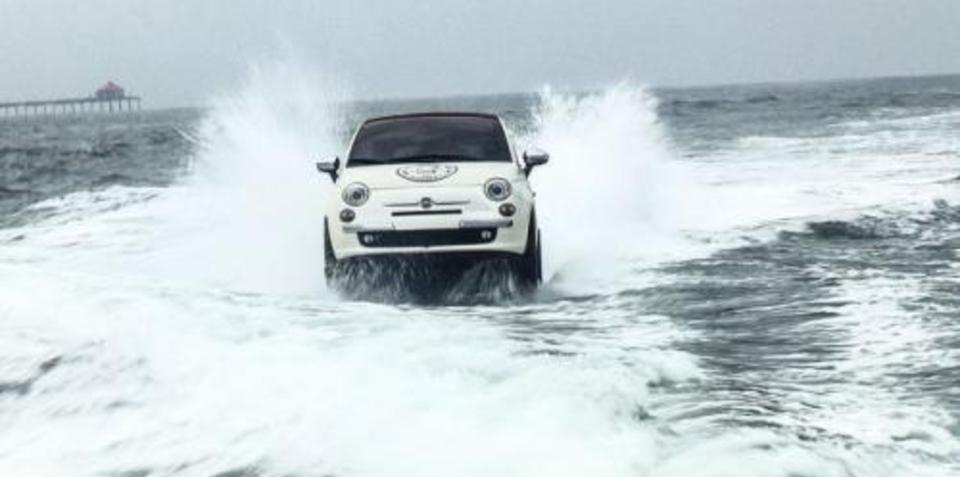 Fiat 500 drops in on US surfers