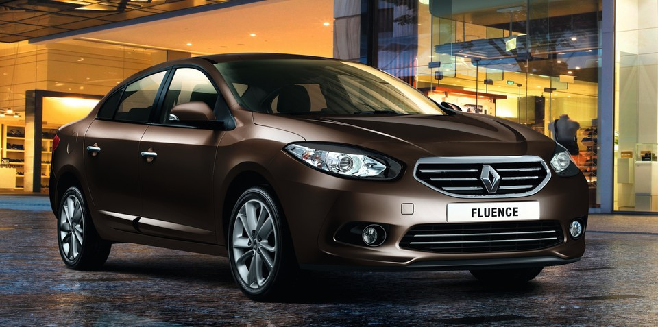 Renault Fluence: small sedan gets first facelift